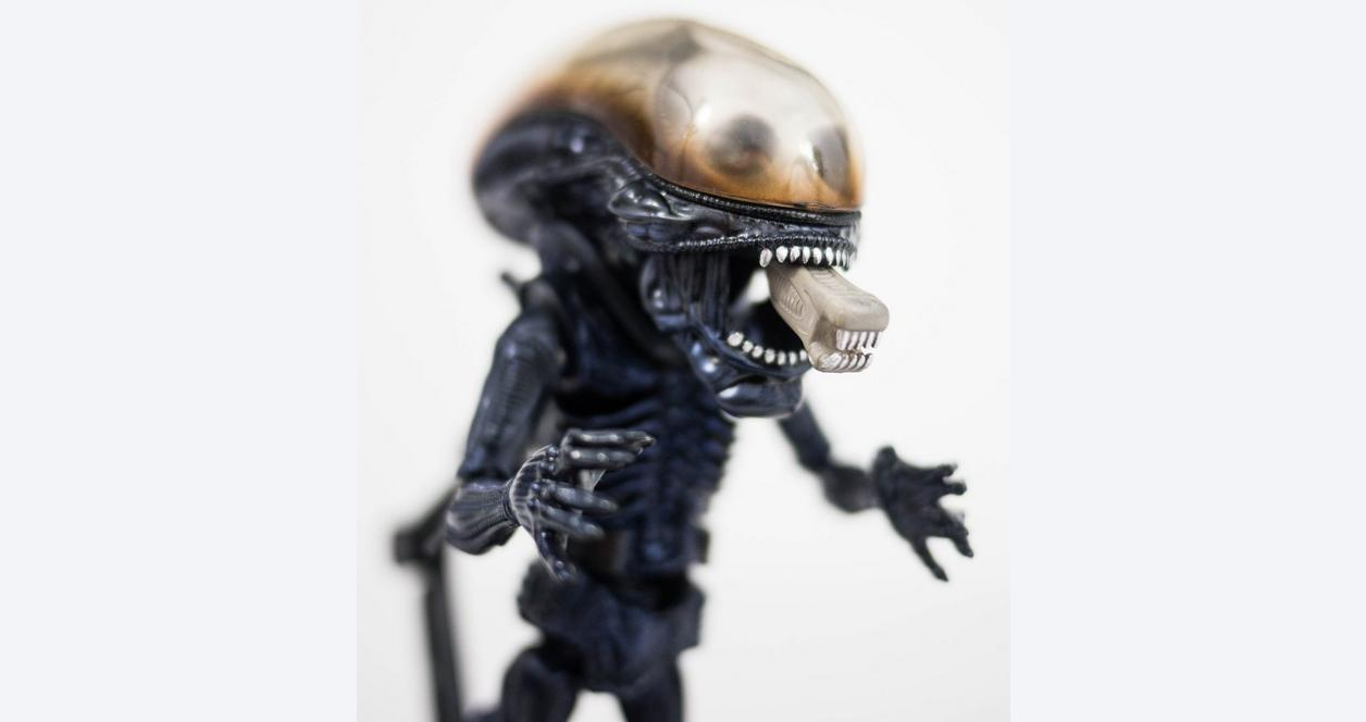 Alien Herocross Statue Only at GameStop