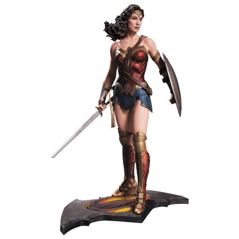 Batman v Superman: Dawn of Justice - Wonder Woman Statue