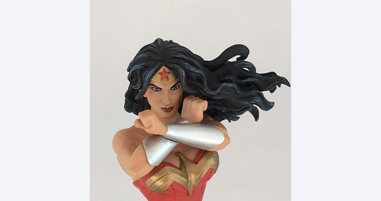 Wonder Woman Statue - Only at GameStop