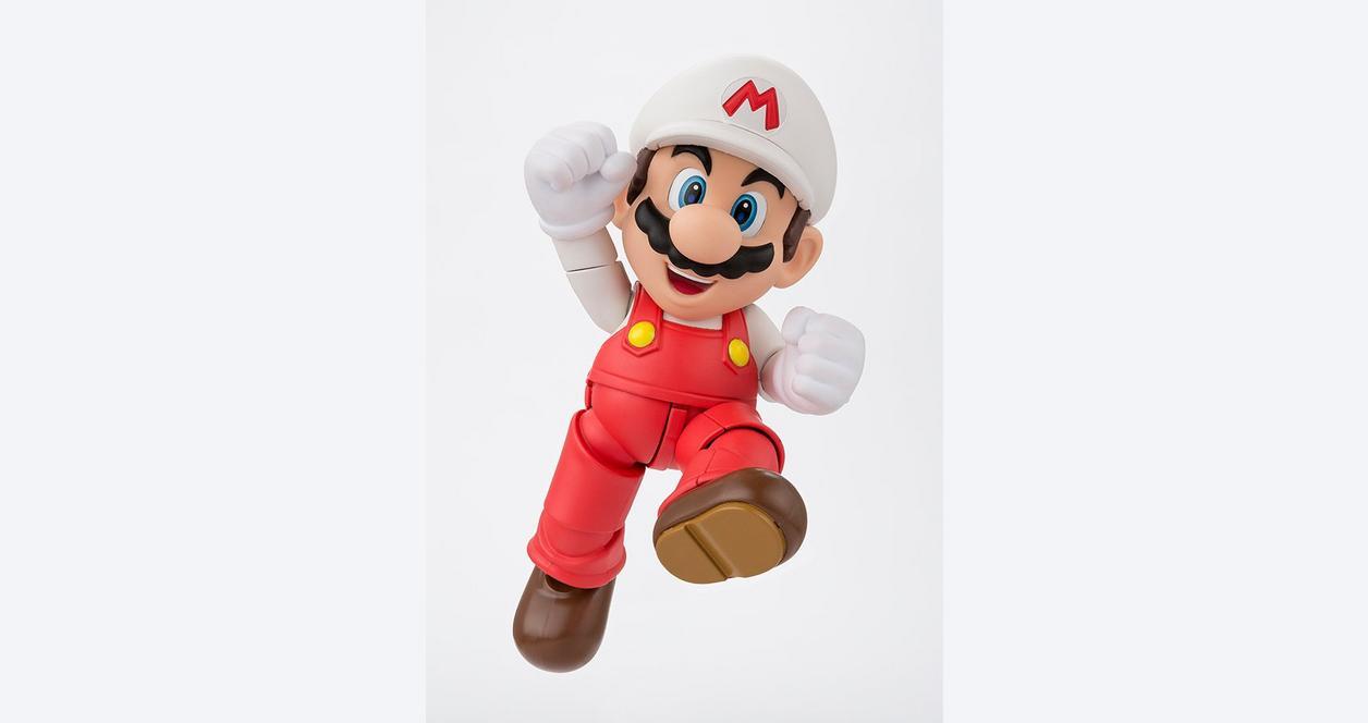 Super Mario Bros. Fire Mario S.H. Figuarts Action Figure