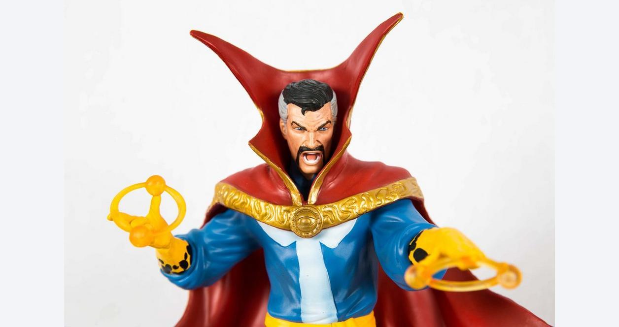 Marvel Gallery Dr. Strange Statue