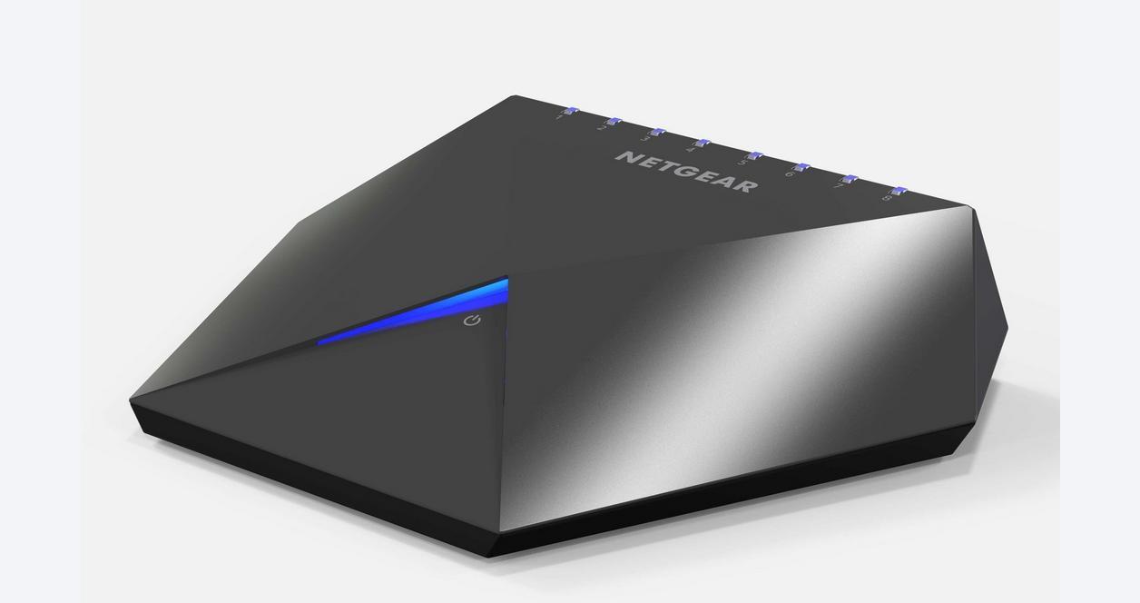 NETGEAR Nighthawk S8000 Gaming & Streaming Advanced 8-Port Gigabit Ethernet Switch