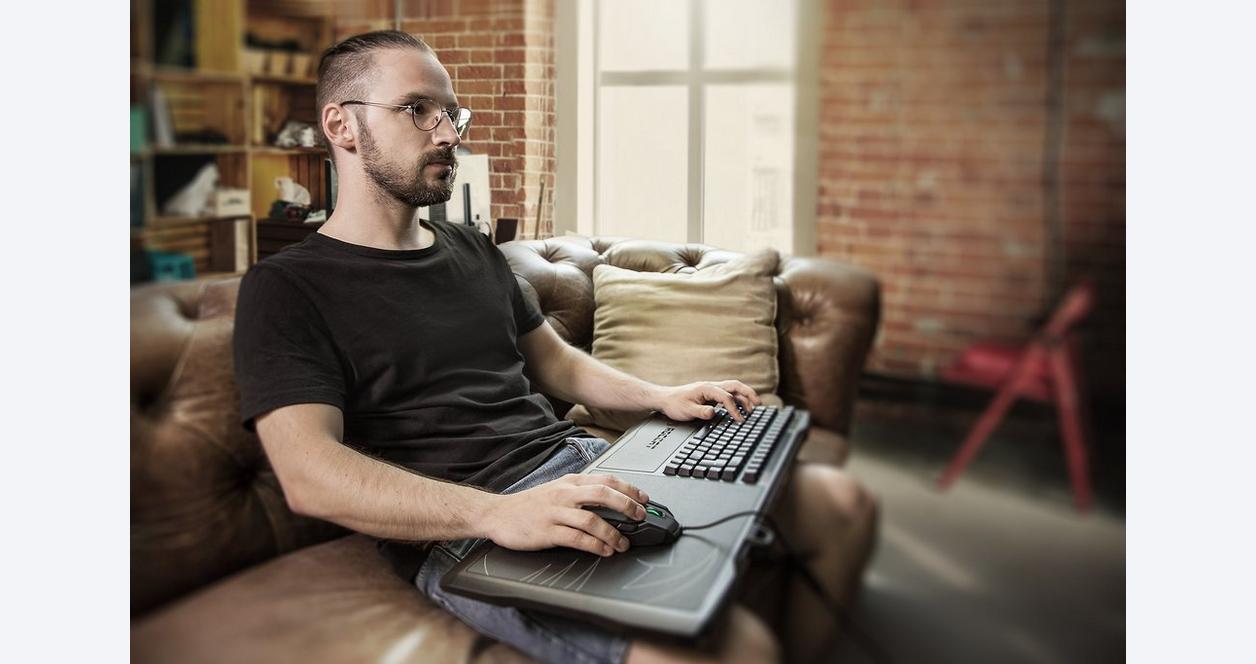 Sova Gaming Lapboard