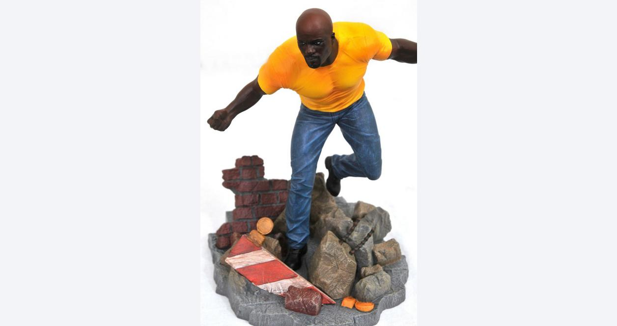 Marvel Gallery: Luke Cage Figure - Only at GameStop