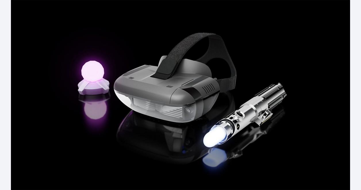 Star Wars: Jedi Challenges - AR Headset with Lightsaber Controller and Tracking Beacon - Black
