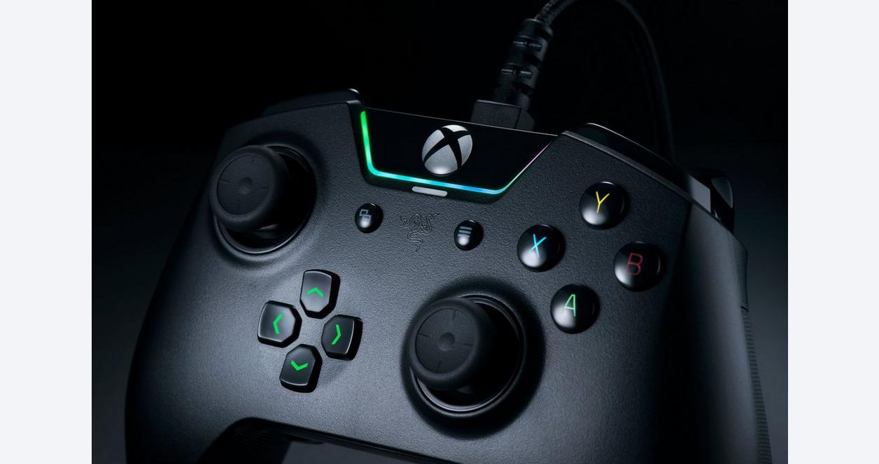 Razer Wolverine Tournament Edition - Chroma Enabled RGB Customizable Gamepad Controller for Xbox One and PC