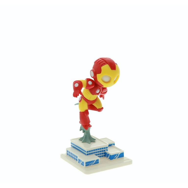 Iron Man Flying High Maquette Figure