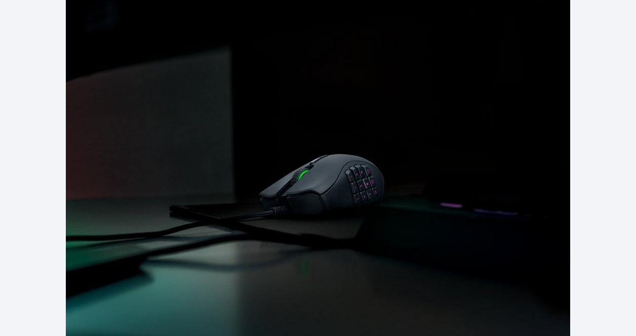 Razer Naga Trinity - Wired Multi-color MMO Gaming Mouse with 3 Interchangeable Side Plates