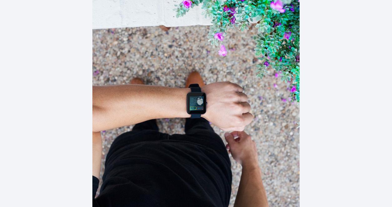 The Flash ONE61 Studio Smartwatch