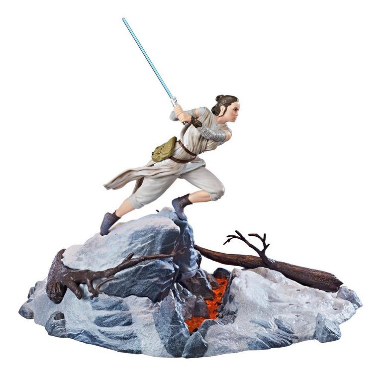 Star Wars Episode VII: The Force Awakens Rey The Black Series Centerpiece Statue