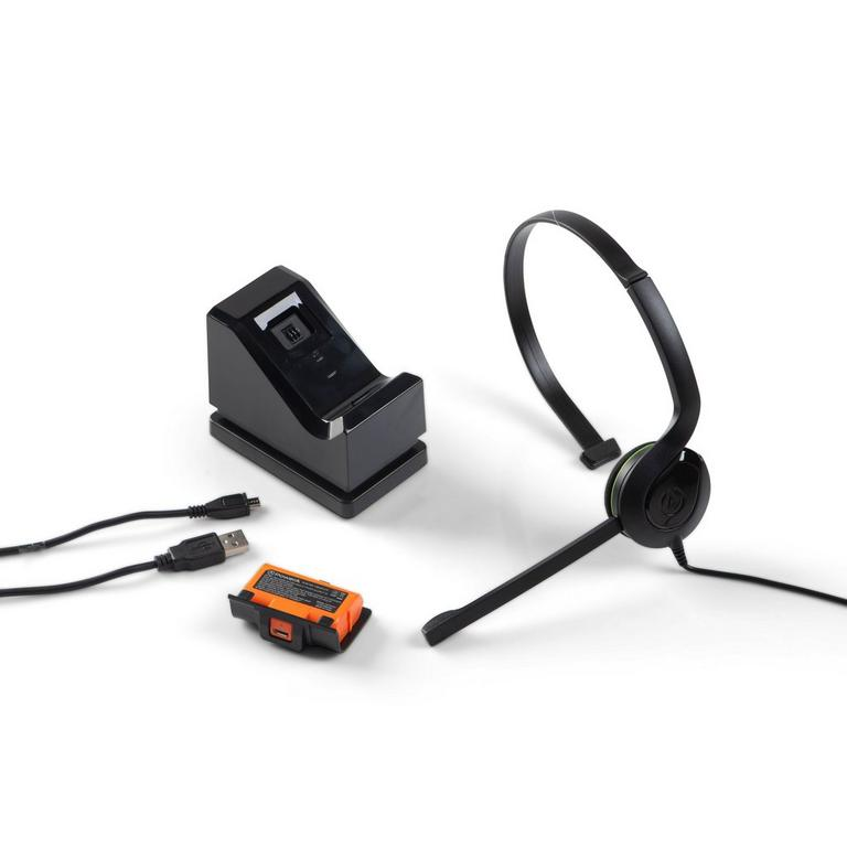 Xbox One Chat and Charge Kit