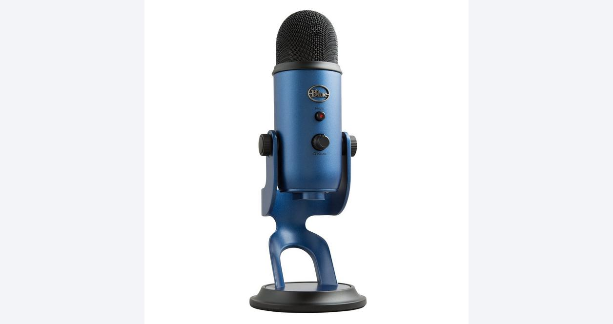 Yeti Midnight Blue USB Microphone and Overwatch Bundle