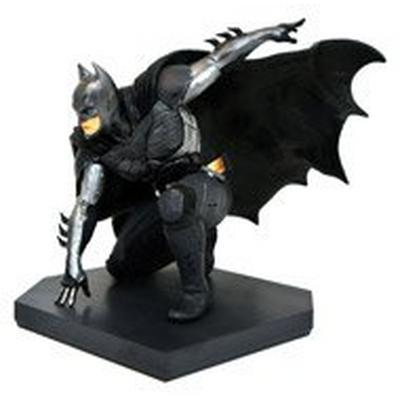 DC Video Game Gallery Injustice 2 Batman Exclusive PVC Diorama