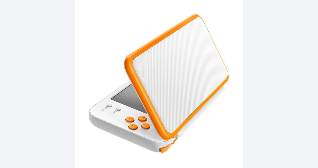 Nintendo 2DS XL Orange and White Mario Kart 7 Bundle