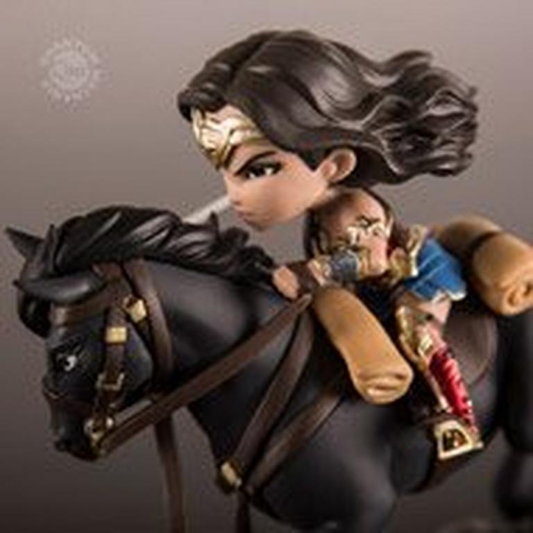 Wonder Woman Q-Fig Max Action Figure