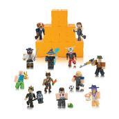 Roblox Toy List Season 5 Roblox Series 5 Blind Box Figure Gamestop