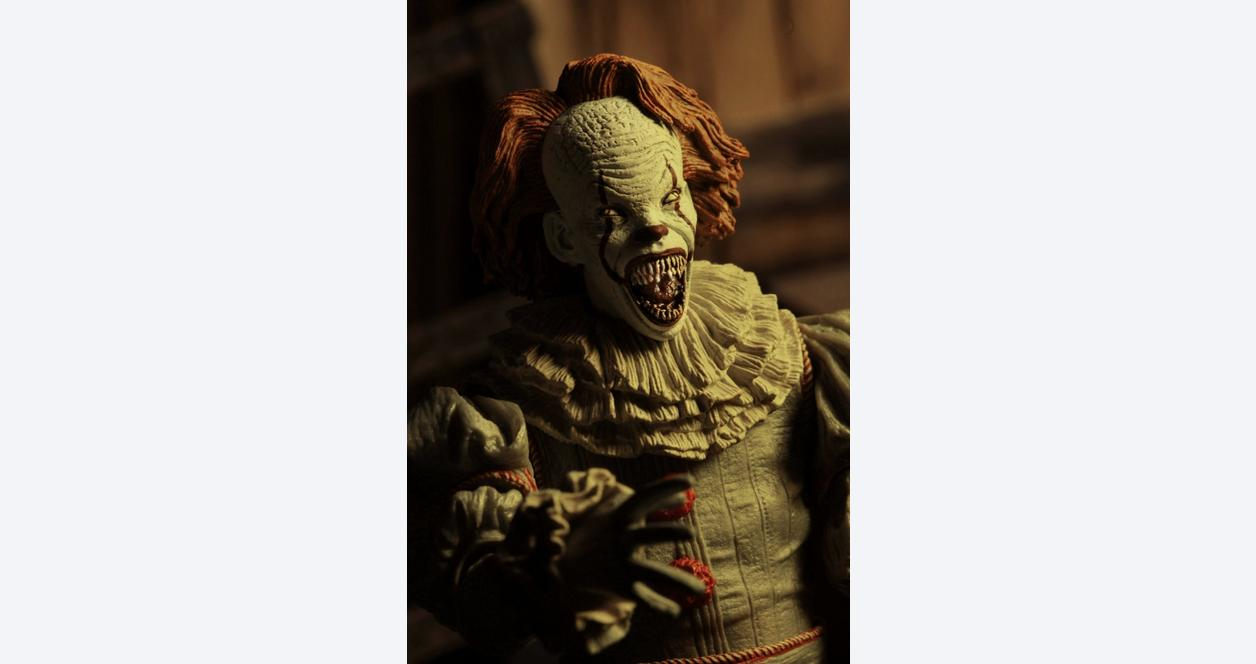 IT - 7 inch Scale Action Figure - Ultimate Well House Pennywise
