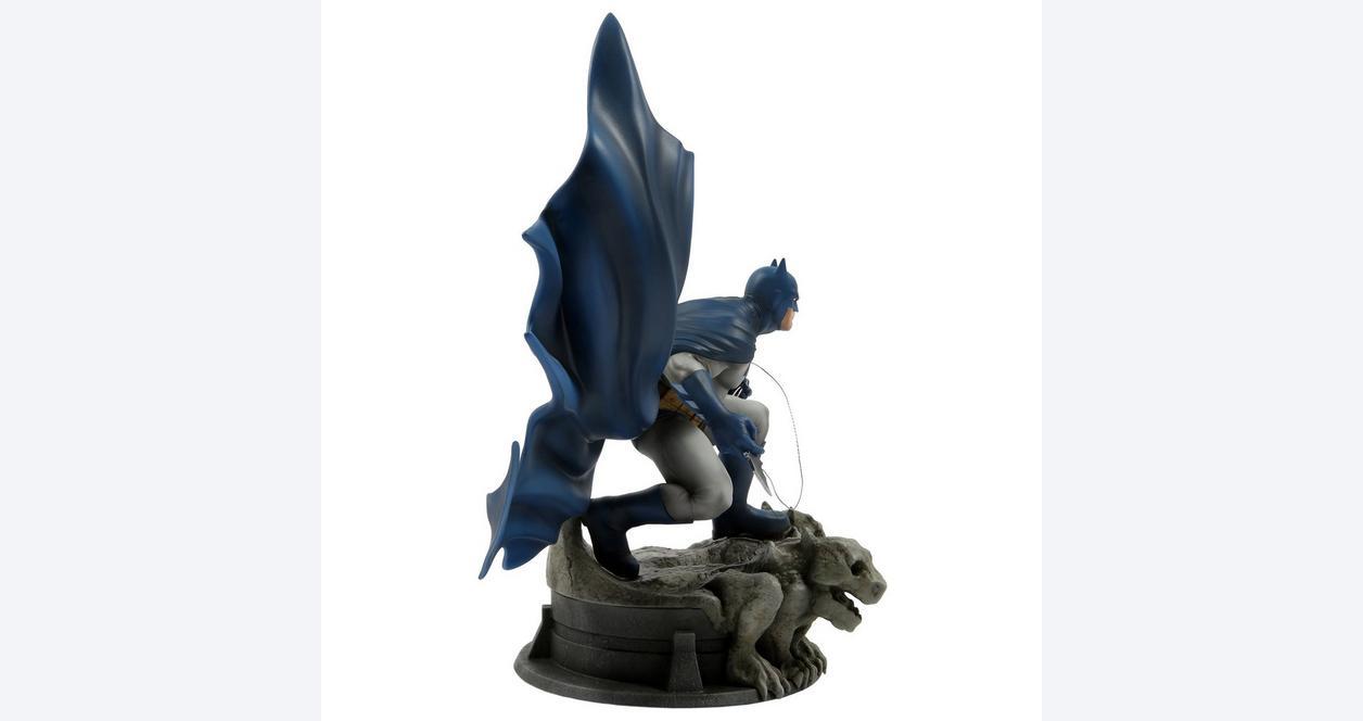 Batman Dark Knight Returns by Jim Lee Statue Only at GameStop