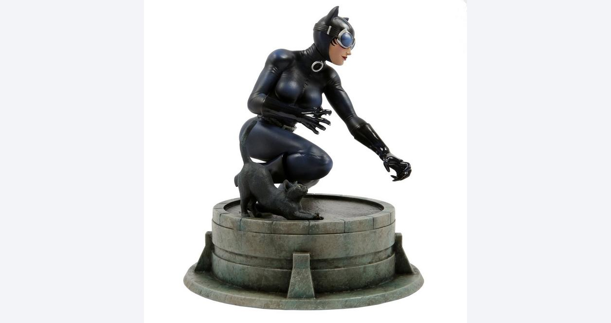 Catwoman by Jim Lee Statue Only at GameStop