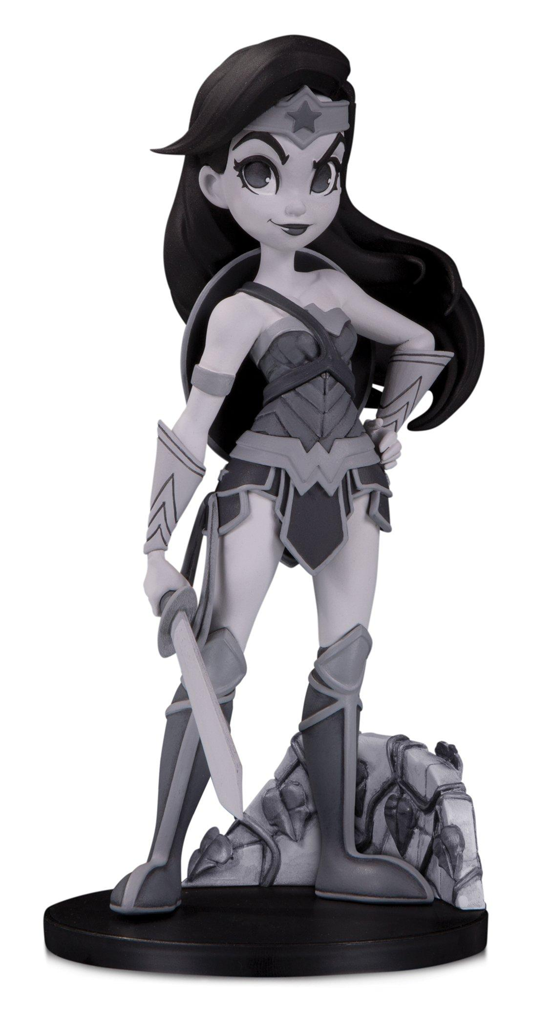 DC Collectibles Artists Alley Black /& White Variant by Chrissie Zullo Batgirl
