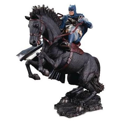 The Dark Knight Returns: Call To Arms Statue Mini Battle Statue