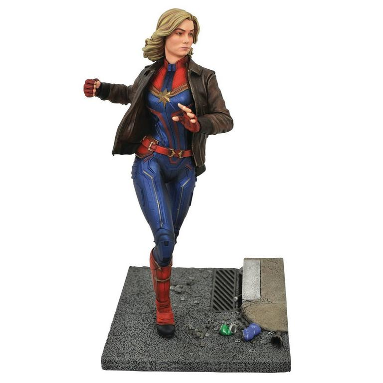 Captain Marvel Marvel Premier Collection Statue