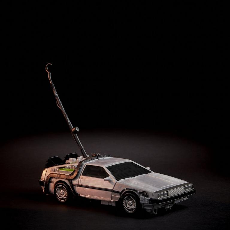Transformers Collaborative: Back to the Future Mash-Up Gigawatt Back to the Future 35 Edition Figure