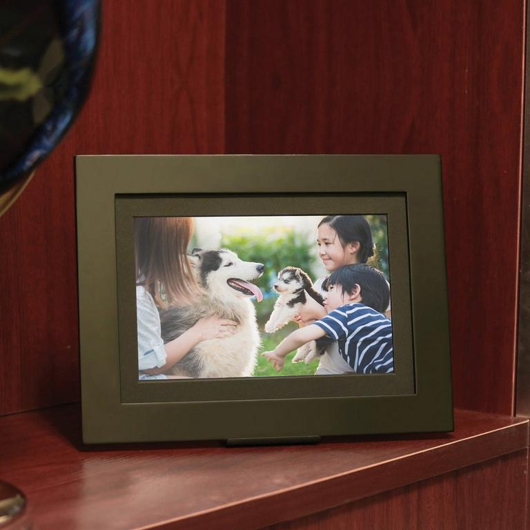 PhotoShare Friends and Family Gold Cloud Frame 8 in