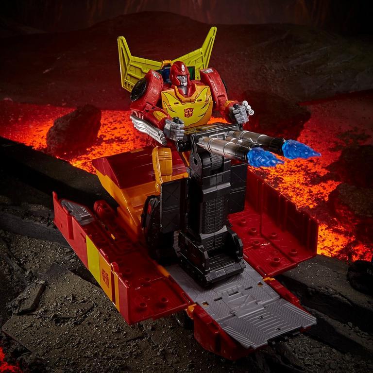 Transformers Generations War for Cybertron: Kingdom Rodimus Prime Commander Action Figure